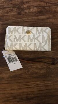 white and gray Michael Kors leather wristlet Charlotte, 28213