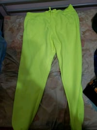 Neon green mens sweats  Toronto, M9V 1N7