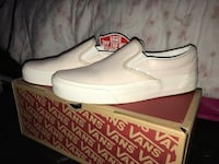 Women's Slip-on Vans (Leather) - Size 5 Langley, V3A 6N1