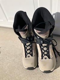 K2  Clicker 99 Sonic Snowboard Size 13 boots