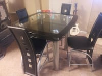 Glass top dining room table with 4 chairs Murfreesboro, 37128