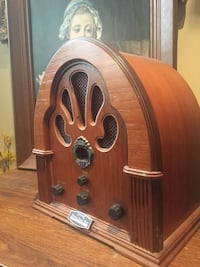 brown wooden frame vintage radio Mississauga, L4Z 3H1