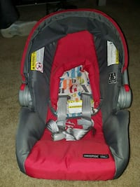 Grey and red Baby carseat Washington, 20011