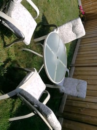 Small well used patio set Milton, L9T 2X5