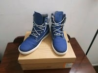 pair of blue leather work boots Los Angeles, 91605