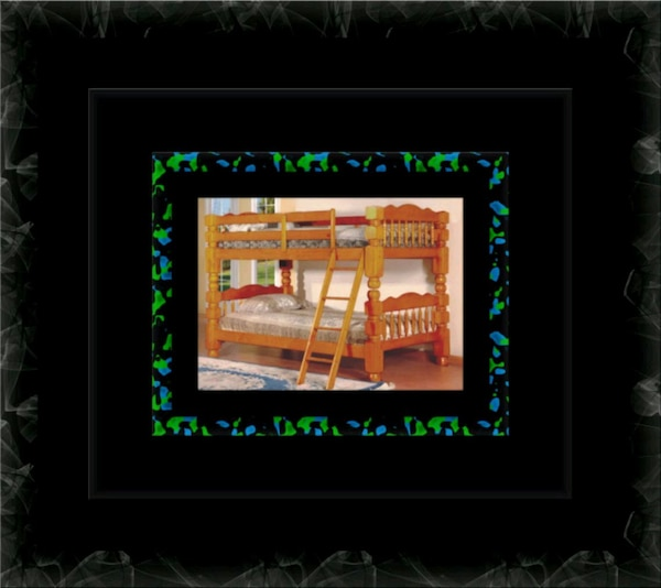 Wooden Twin bunkbed frame with the 2 mattress