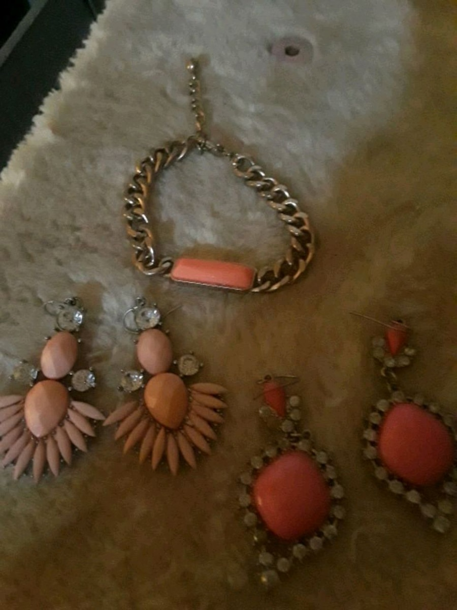 Photo Pink & Gold Colored Costume Jewelry