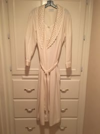 Brand new woman's soft full length robe/matching nylon gown size Med