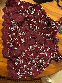 red and white floral scoop-neck shirt Mississauga, L4Y 4E2