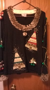 Ugly Sweater-XL womens zip up, wear garment underneath for warmth.