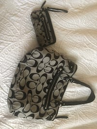 Coach purse and wallet combo Bakersfield, 93308