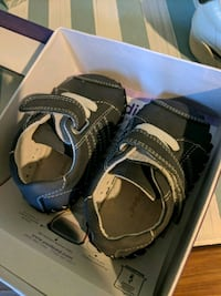 baby shoes pediped never worn  Akron, 44310