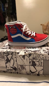 pair of red-and-white low top sneakers Cottage City, 20722