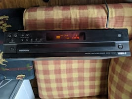 Yamaha 6 disc cd  player with speakers