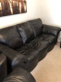 Leather Couch and Love Seat Milton, L9T 6Y6