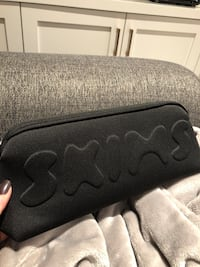 SKIMS Make-Up/Storage Bag