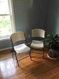 Folding chairs rates to 350 lbs Parkville, 21234