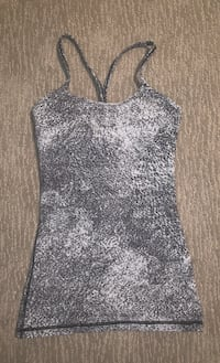Sz 4 lululemon tank with built in sports bra! Edmonton, T6W 0S2