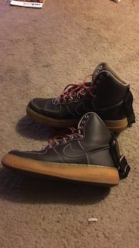 Pair of black-and-brown nike air force 1 high shoes Des Moines, 50316