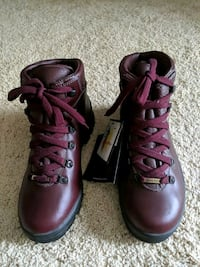 Women's  Hiking Boots  - Size 7