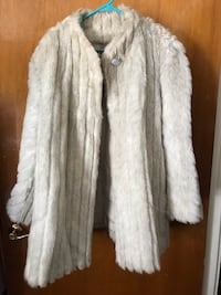 Gorgeous man made fur worn once!!  Hagerstown, 21740