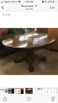 Round Wood Dining Table with Claw Feet Nashville, 37214