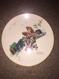"""Authentic Norman Rockwell """"Spring-Daydreamers"""" Plate White Plains, 10606"""