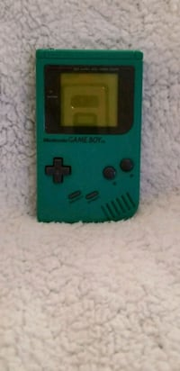 Game boy and 1 game. Laurel, 20724