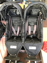 Black and gray twin stroller Los Angeles, 90024