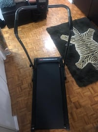 treadmill good condition good for apartments - Manual not electric Toronto