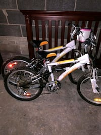 2 bicycle in excellent condition for children from 8 years to 16 years Oakville, L6L 4H3