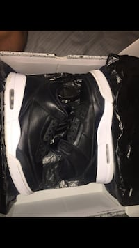 Pair of black air jordan 3 shoes San Antonio, 78224