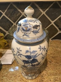 Antique vintage urn vase blue and white hand painted St Paul