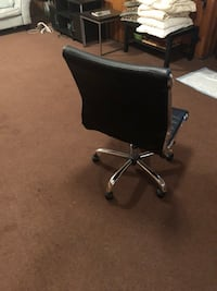 Black Leather Turnchair, best offer Fair Lawn, 07410