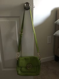 Michael Kors Crossbody Arlington, 22202