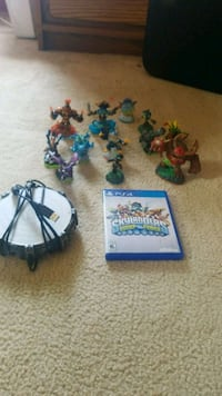 Skylanders swap force game (with 12 characters)  Canton, 44703
