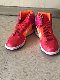 Pair of red nike high-top sneakers size 7 Winnipeg, R2K 4A1