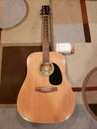 Acoustic Guitar w/tuner