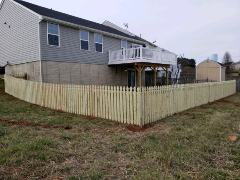 Deck and fence,free estimate .in virginia. 8be5e1ab-ff9c-4223-853a-e461a855dacb