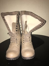 Nudish gray color combat winter boots  size 6.5 Brockton, 02301