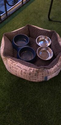 Small dog bed and food dishes Los Angeles, 90292