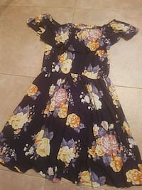 black and yellow floral scoop neck dress Grand Forks, 58201