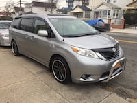 Toyota - sienna - 2012 year with 140 mils perfect no issue clean inside an outside backup camera hid light fully loaded