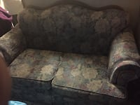 Love seat. Great framing for upholstery!! El Paso, 79934