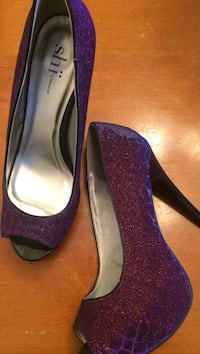 gray-and-purple glittered Shi stilettos