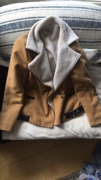 Forever21 faux fur jacket tan and white Calgary, T2T 2A2