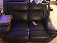 Love seat recliner!Must go by Saturday! Upper Marlboro, 20772