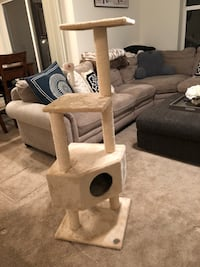 Cat Tree (Perfect Condition) Issaquah, 98029