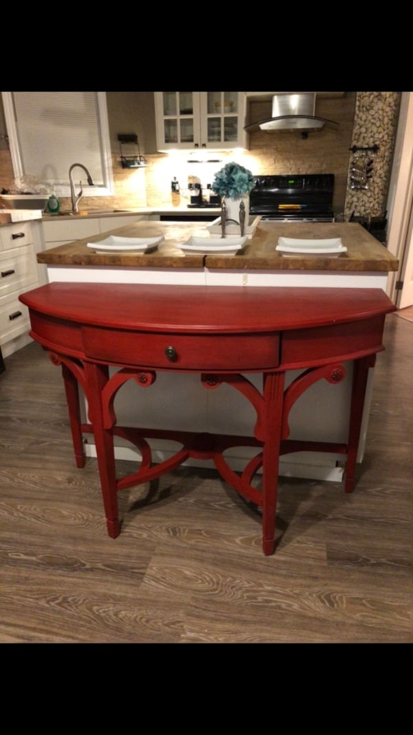 Make a statement ...large hall table