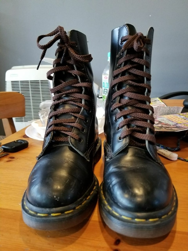 Used Dr Martens size 5.5 girls boits for sale in California - letgo 5a90fe23e